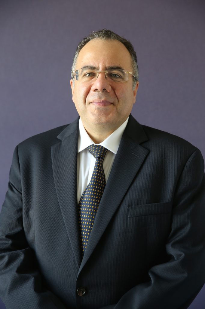 Moorfields Eye Hospital Dubai appoints Dr. Yassir Abou-Rayyah, Consultant Ophthalmic & Oculoplastic Surgeon