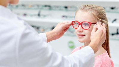 How To Buy The Right Eyewear For Your Kids?