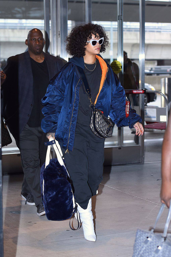 Rihanna Wears Andy Wolf's 'Jan' Sunglasses!