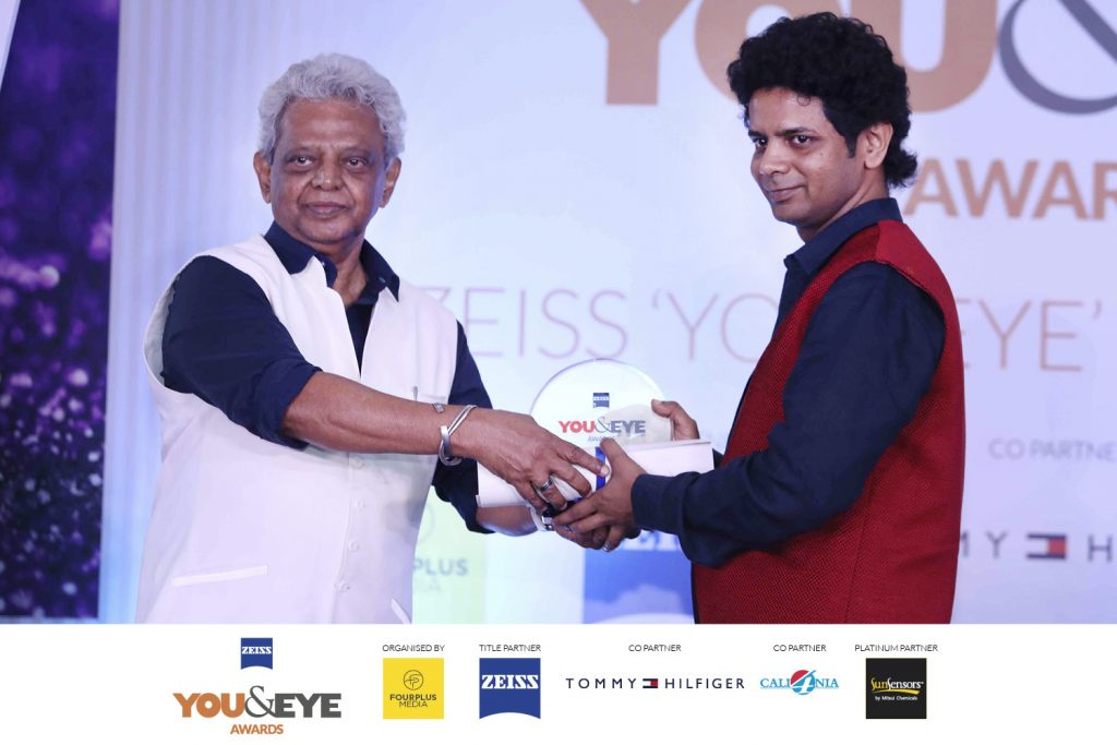 Winners for Excellence in Customer Service- Boutique Store (Non-Metros) : Vishal Optical NX, Aurangabad