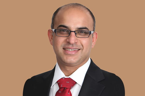 Dr. Avinash Gurbaxani, Consultant Ophthalmologist, Medical Retina & Uveitis Specialist at the Moorfields Eye Hospital, Dubai